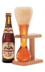 Bierglas Kwak mit Holzgestell